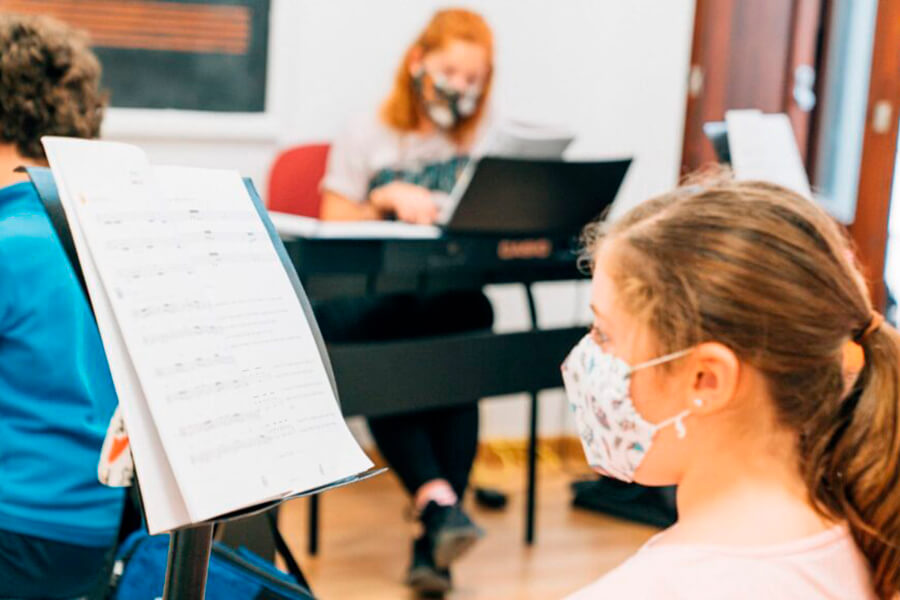 Becas CaixaBank Escuelas de música